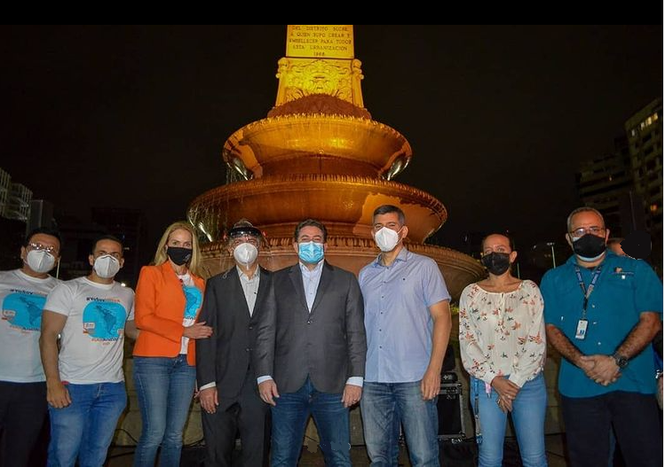Obelisco de Altamira se ilumina de naranja para unirse al Día Mundial contra el Cáncer